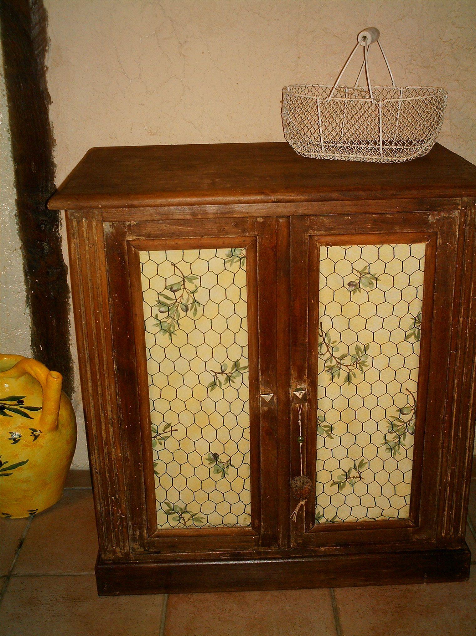 Les vieux meubles page 8 for Meuble porte grillagee poule